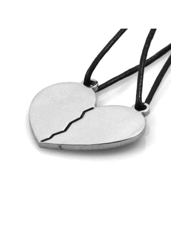 Collana con cuore spezzato in acciaio