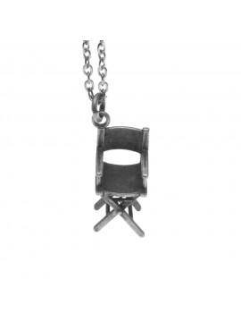 Collana con sedia regista ciondolo in argento invecchiato cln0038