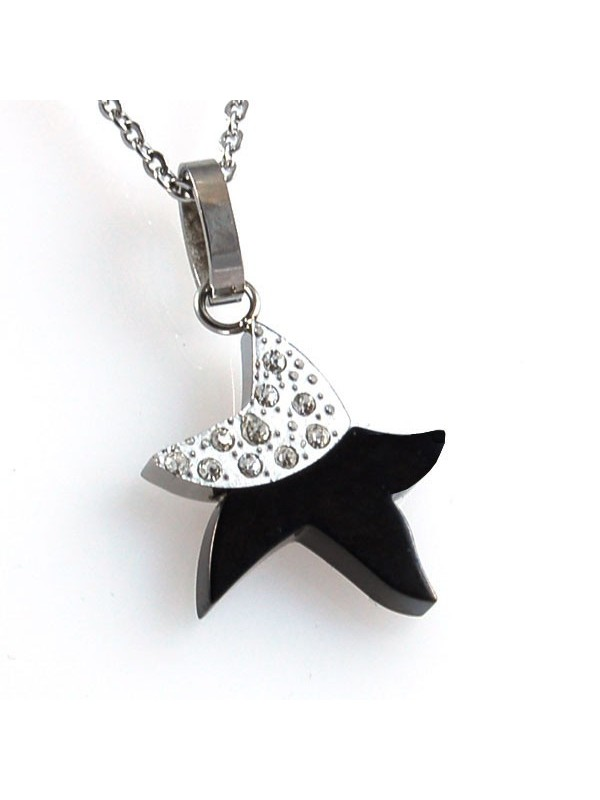 Collana con stella in acciaio