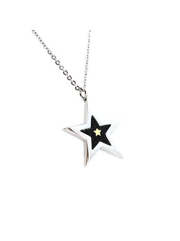 Collana con stella in acciaio e carbonio